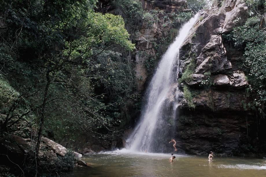 A cachoeira das Andorinhas faz parte do Circuito das Cachoeiras Tour, durante o qual o visitante experimenta cinco cachoeiras a 6 km de distância.