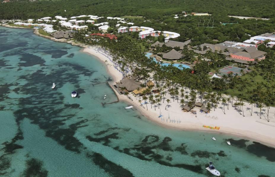 Punta Cana tem mais de 30 resorts, que variam de simples a luxuosos.  A maioria funciona no sistema com tudo incluído, incluindo refeições, bebidas e até passeios