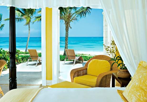 Cama de dossel com vista para o Caribe no Tortuga Bay Punta Cana Resort