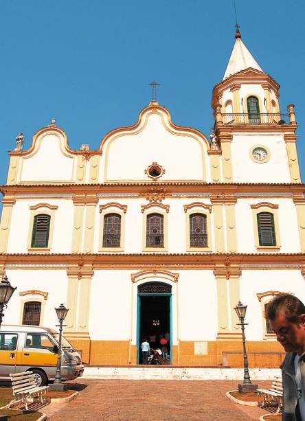 Fachada da Igreja Matriz de SantAna na Praça 14 de Novembro no centro histórico de Santana de Parnaíba