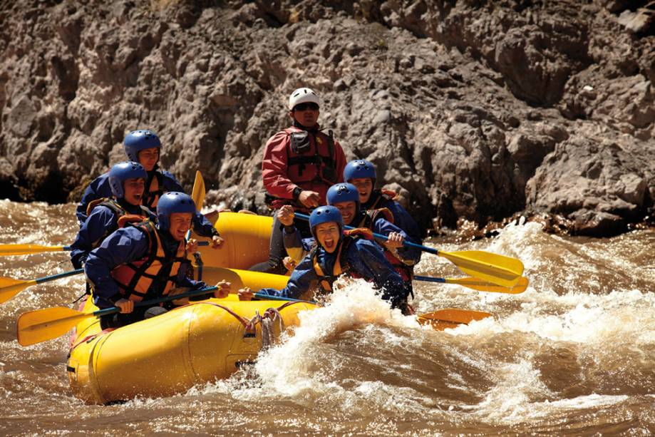 As rápidas corredeiras de Mendoza, que resultam do degelo dos Andes, são ideais para o rafting