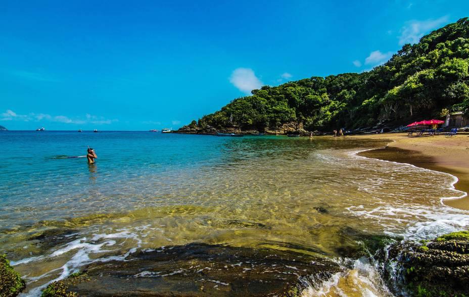 """UMA""""http://viajeaqui.abril.com.br/estabelecimentos/br-rj-buzios-atracao-de-joao-fernandinho"""" rel =""""Praia de joão fernandinho"""" Objetivo =""""_vazio""""> A Praia de João Fernandinho leva esse nome por ser uma miniatura da praia""""http://viajeaqui.abril.com.br/estabelecimentos/br-rj-buzios-atracao-de-joao-fernandes"""" Objetivo =""""_vazio""""> João Fernandes.  Para chegar lá, você tem que descer uma escada"""" class=""""lazyload"""" data-pin-nopin=""""true""""/></div> <p class="""