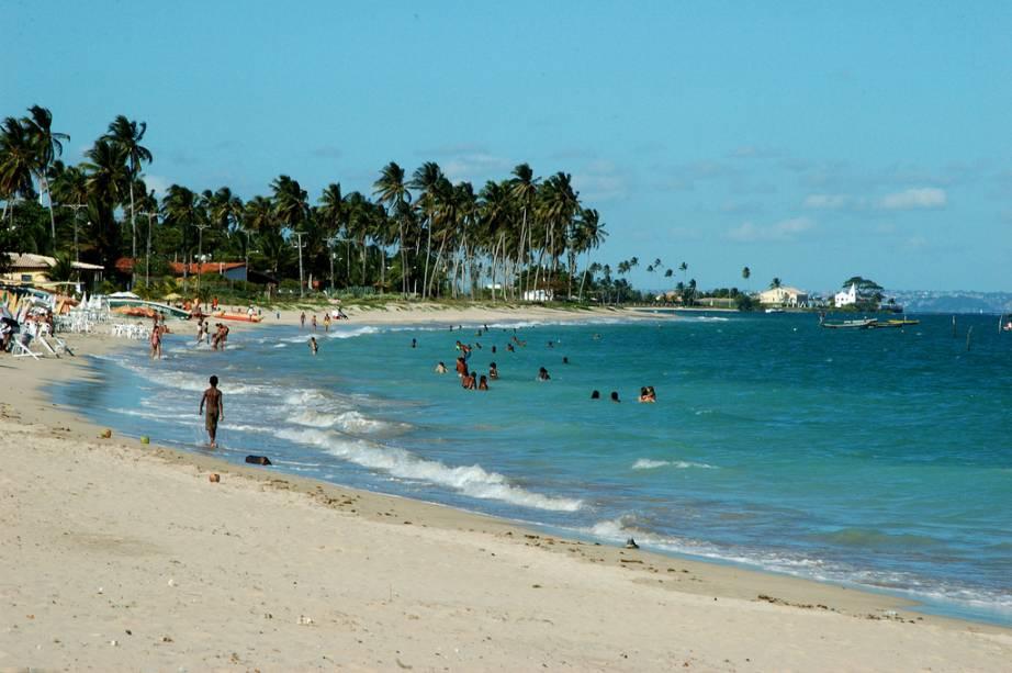 No verão, a Praia da Penha fica repleta de lanchas, jet skis, windsurf e kitesurf.