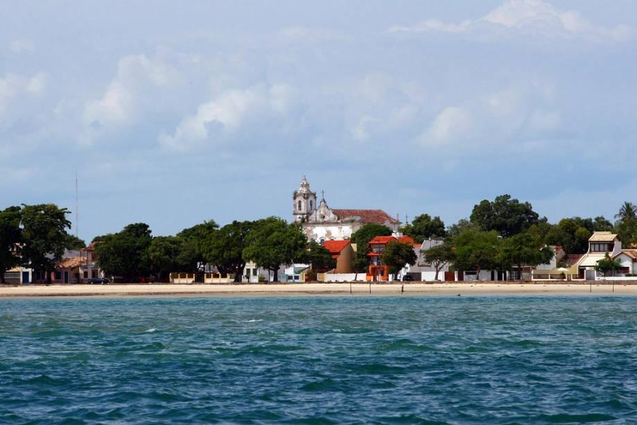 A festa do Iemanjá acontece em Itaparica no dia 2 de fevereiro.  Além da procissão marítima, uma grande procissão carrega oferendas para a rainha do mar na praia da Ponta de Areia