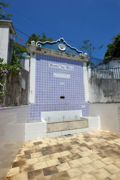Fonte da Bica, construída em 1842, na ilha de Itaparica