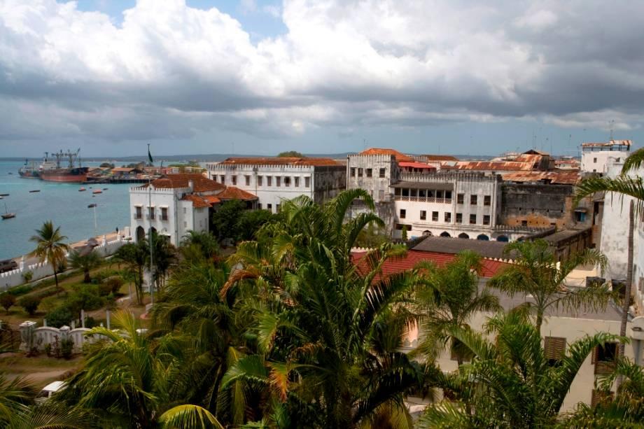 A cidade de Zanzibar foi declarada Patrimônio Mundial da UNESCO pela UNESCO por suas características urbanas e arquitetônicas