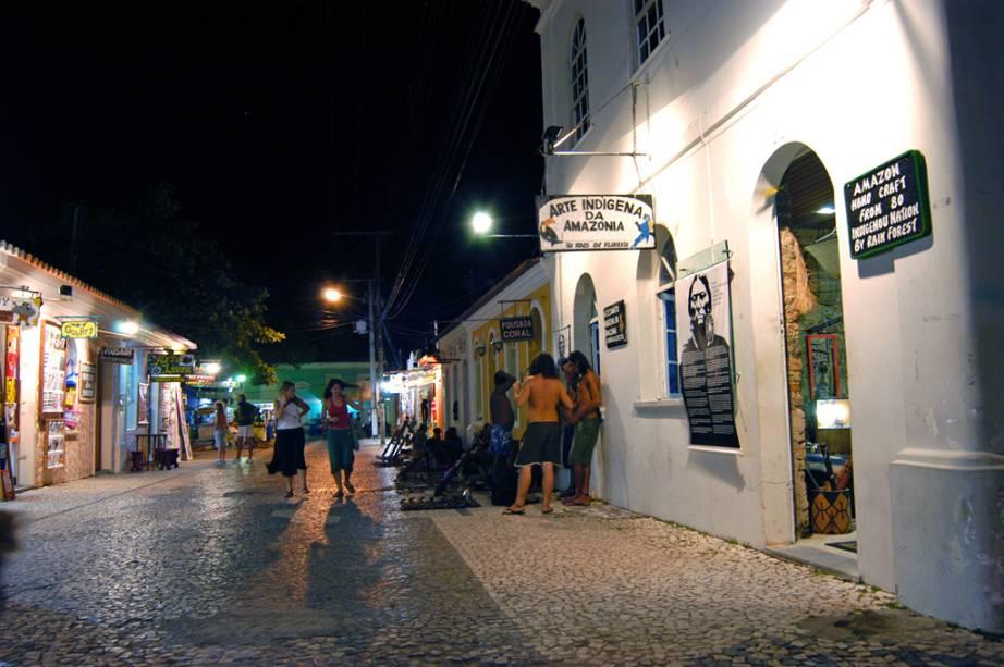 Passarela do Álcool no centro de Porto Seguro
