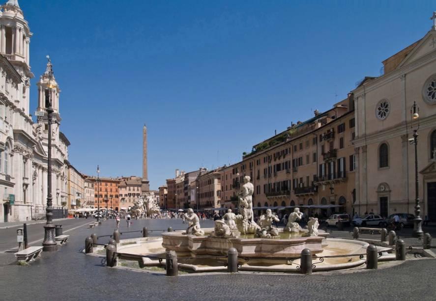 Os rios Danúbio, Nilo, Ganges e La Plata são homenageados nas três fontes principais da Piazza Navona, a Fonte dos Quatro Rios de Bernini