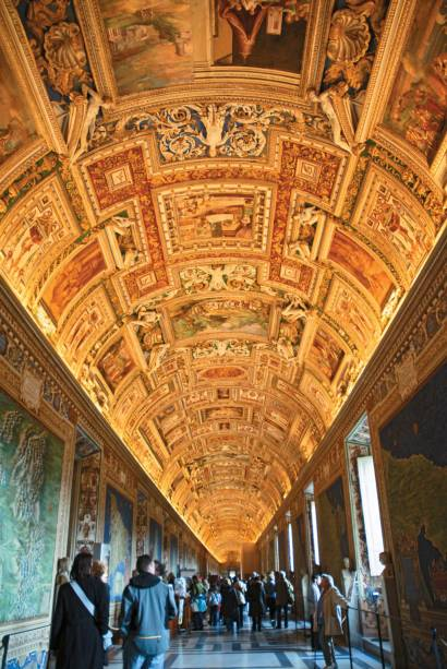 Mapas do corredor dos Museus do Vaticano