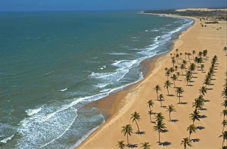 Vista aérea da praia do Cumbuco na Costa Sol Poente
