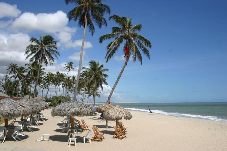 A maioria dos hotéis da cidade é propriedade de estrangeiros atraídos pelas excelentes condições para a prática de kitesurf e windsurf.
