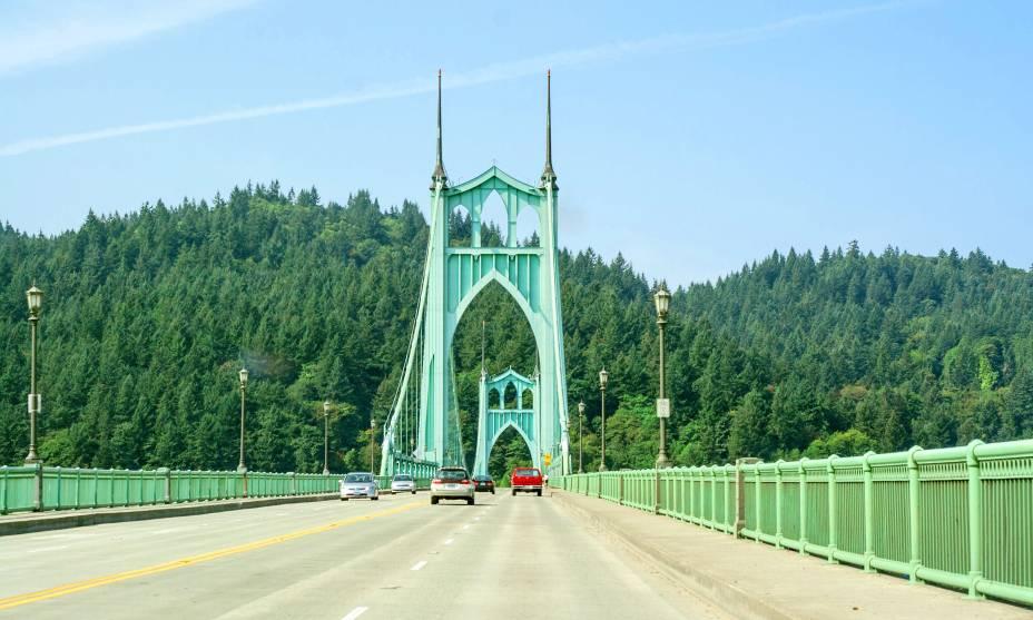 A beleza da St. John's Bridge em Portland, EUA