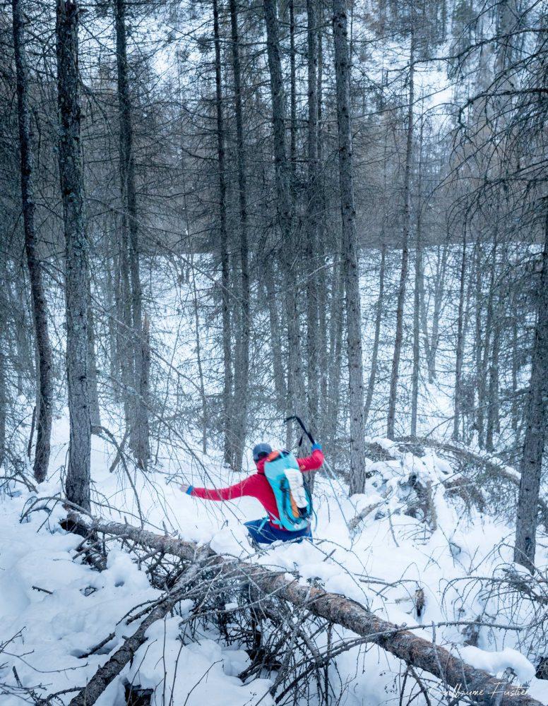 Alpes franceses Montanhismo Cascata Nadia Escalada no gelo Escalada no gelo Floresta de inverno Montanha Les Orres Ubaye Montanha Alpes franceses Floresta de inverno Neve