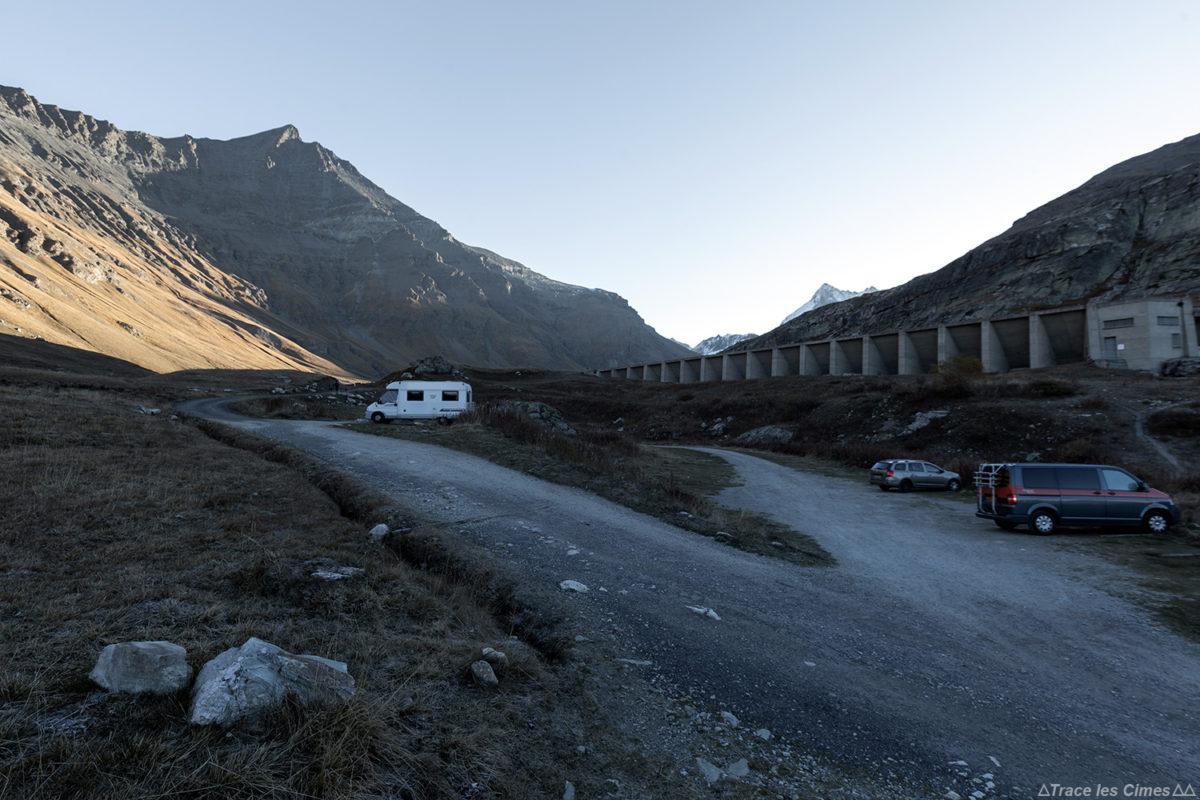 Parking Le Saut - Excursão ao longo da Aiguille de la Grande Sassière nos Alpes Grées Savoie
