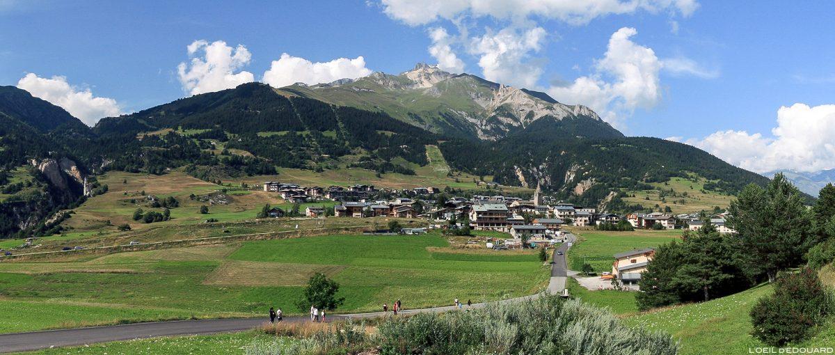 A aldeia de Aussois e o Dent Parrachée em Haute Maurienne Savoie