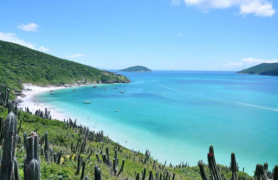 A costa intocada é o forte do belo Arraial do Cabo (RJ)