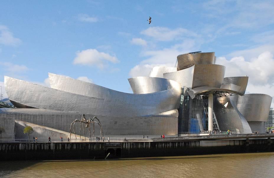O Museu Guggenheim de Bilbao é como uma escultura gigante.