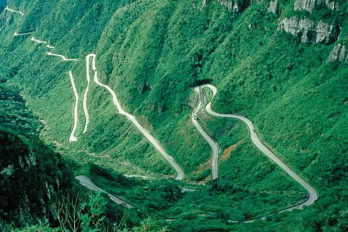 É fácil preferir as curvas da Rua Bom Jardim à Serra do Rio do Rastro