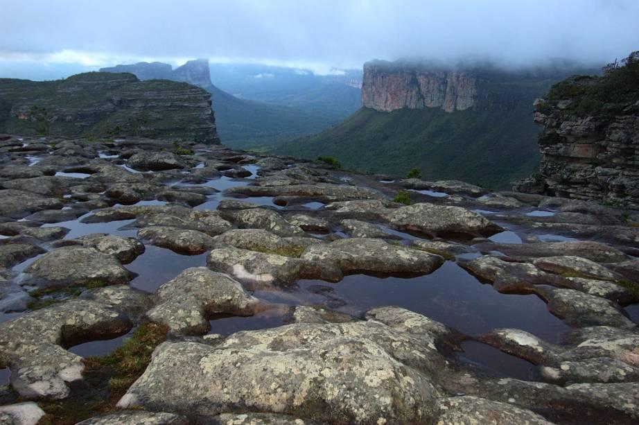 Vista do Morro do Pai Inácio, programa obrigatório da Chapada que permite conhecer as principais formações do parque