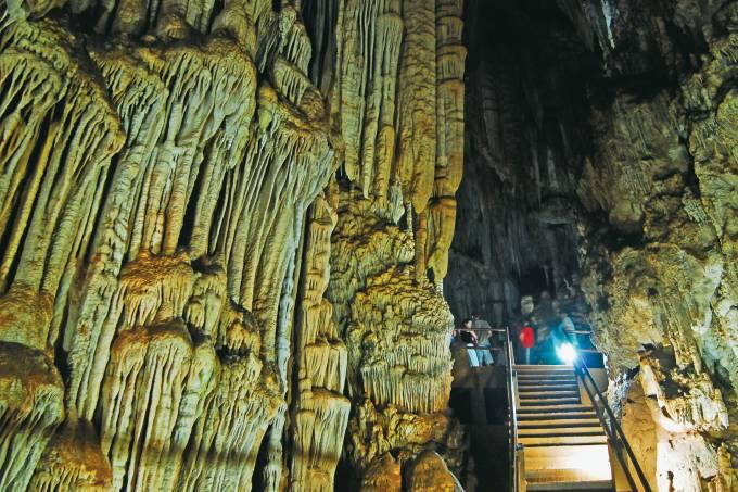 Interior da Caverna do Diabo, no Parque Estadual de Jacupiranga, Eldorado, São Paulo