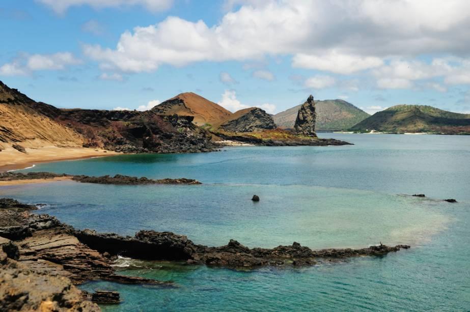 O arquipélago de Galápagos, no Equador, é formado por 58 ilhas vulcânicas e é conhecido por suas espécies animais, como a tartaruga gigante e a iguana marinha.  O site inspirou o cientista Charles Darwin a estabelecer sua teoria da evolução no século XIX.