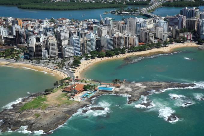 Vista aérea do centro de Guarapari