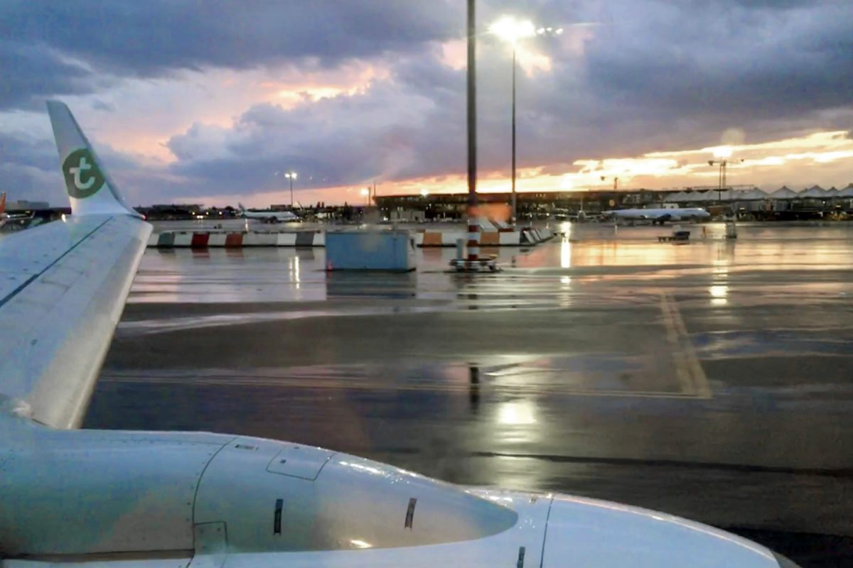 Aeroporto de Lyon - voo da Transavia para Lisboa
