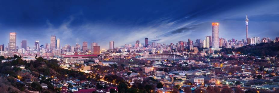 Joanesburgo pode ser mais cosmopolita do que você pensa;  A cidade é o centro econômico da África do Sul e possui edifícios modernos e impressionantes