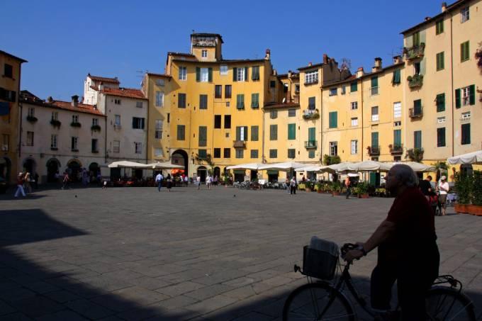 Lucca anfiteatro Piazza, Itália