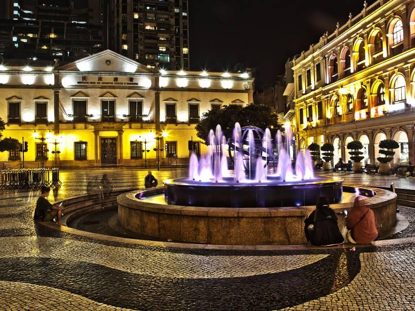 O Largo do Senado também destaca o patrimônio colonial da cidade.