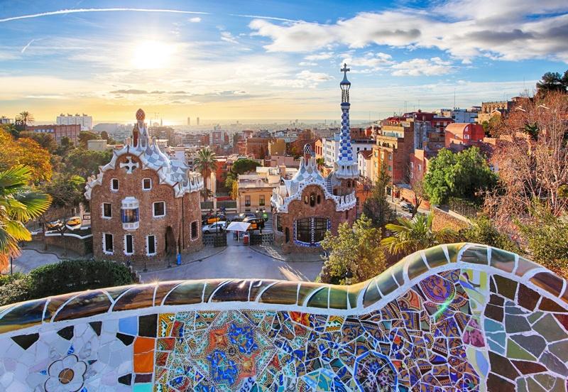 Parc Guell em Barcelona, Espanha - cidades mediterrâneas a visitar