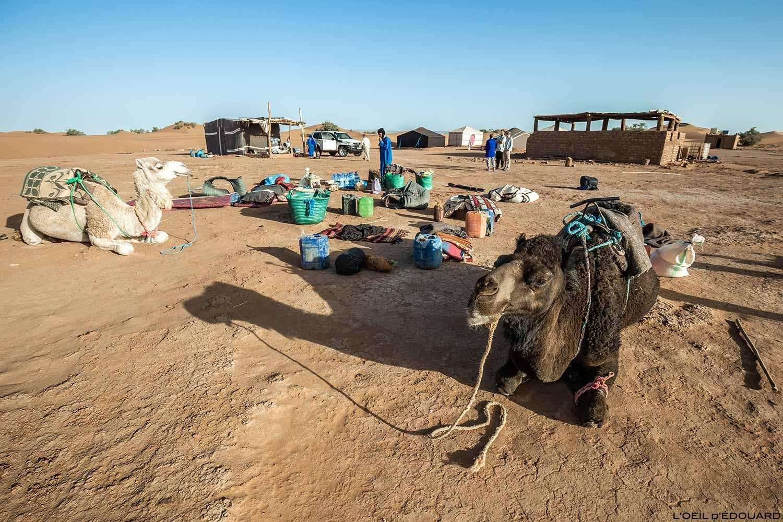 Acampamento base para o início da caminhada no deserto marroquino