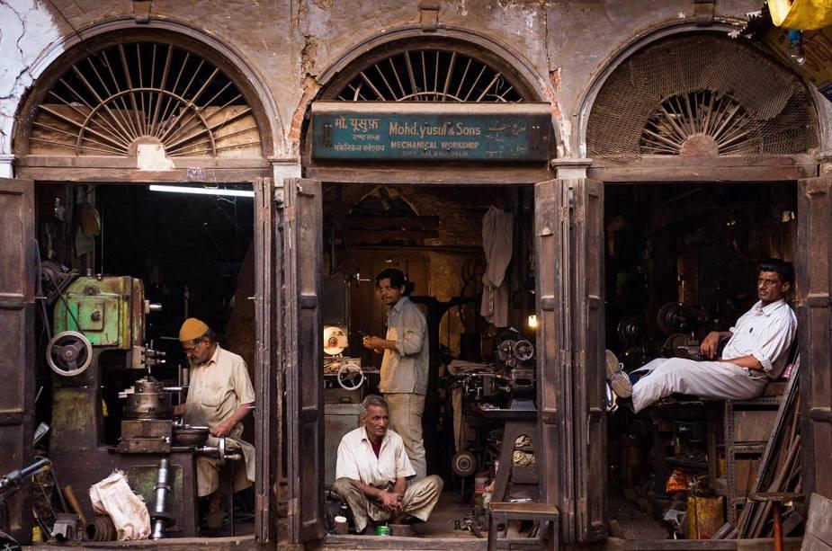 Workshop em Delhi, Índia - A cidade em todos os seus microcosmos é dividida entre o novo e o antigo, entre o mundano e o sagrado