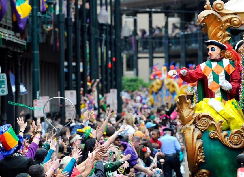 """a <strong>carnaval</strong> dentro <strong>Nova Orleans</strong> , chamado <strong>carnaval</strong> , é um dos festivais mais famosos do mundo.  É baseado nas tradições europeias, mas tem uma forte marca multicultural com raízes africanas e caribenhas.  A data do carnaval é determinada de acordo com o calendário cristão.  Carnaval é a véspera da Quarta-Feira de Cinzas, o dia em que começa a Quaresma.  Em Nova Orleans, o fim do Mardi Gras também encerra a temporada de dança e desfile, que começa no dia 6 de janeiro.  A partir dessa data é possível presenciar carros alegóricos e bailes de máscaras que tomaram as ruas até o final do carnaval."""" class=""""lazyload"""" data-pin-nopin=""""true""""/></div> <p class="""