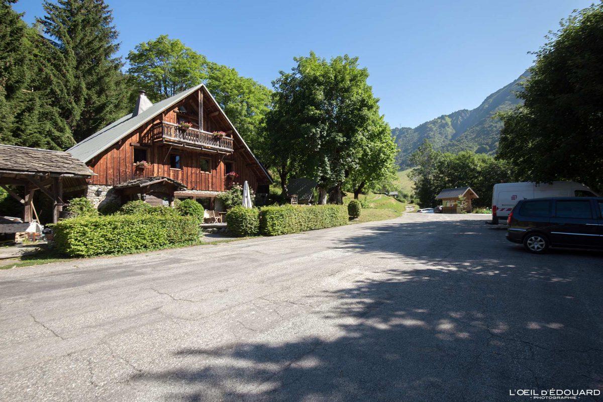 Estacionamento Lieulever Relais du Lac Noir Tioulevé Lauzière Maurienne Savoie Alpes França montanha