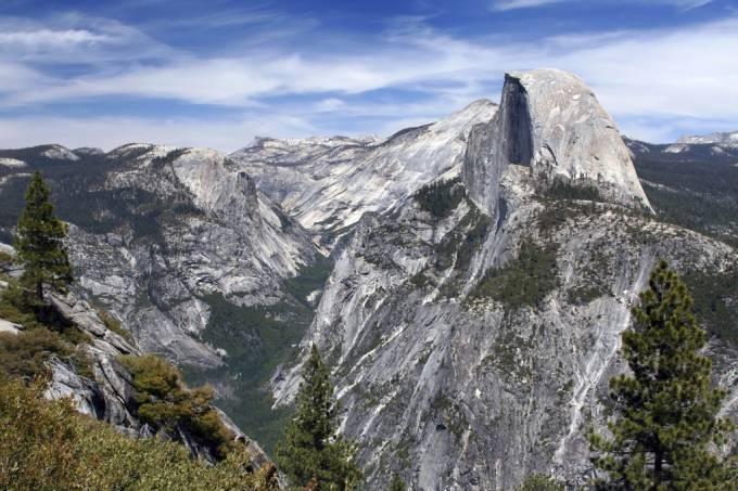 Yosemite, a meca do montanhismo, tem paredes de granito como o Half Dome