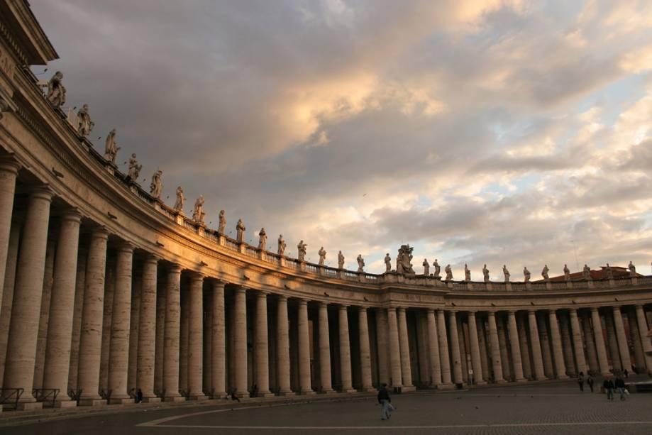 Detalhes da Praça de São Pedro no Vaticano