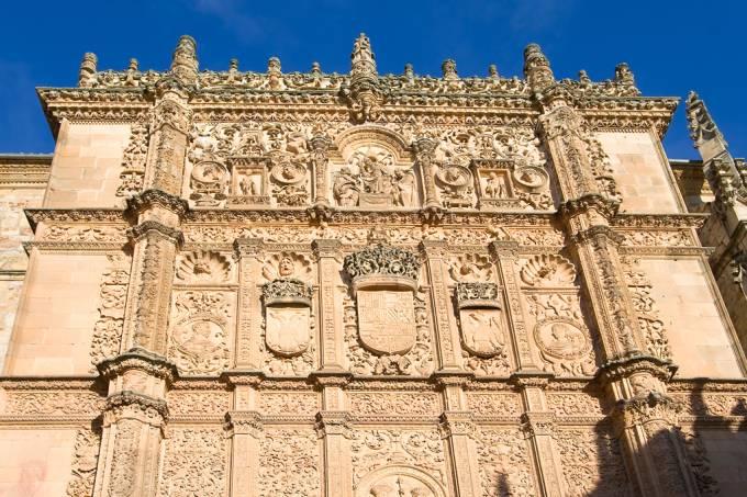 Fundada no século 13, a Universidade de Salamanca é uma das mais importantes da Espanha