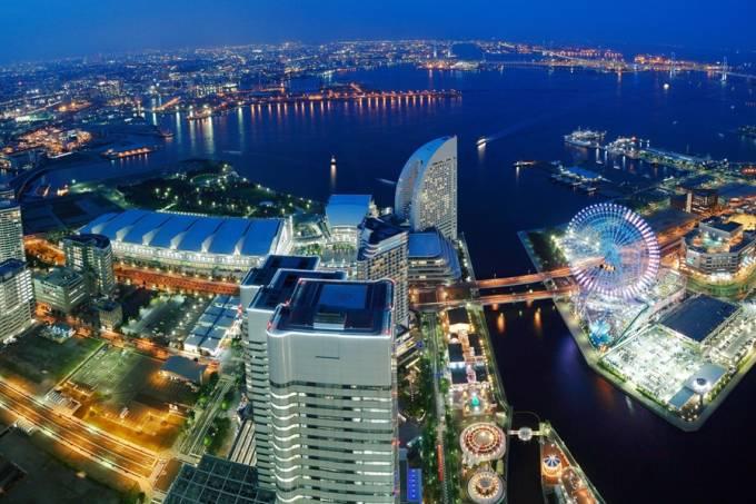 Yokohama é a segunda cidade mais populosa do Japão e fica perto da capital Tóquio, com excelentes opções de acomodação, lazer e entretenimento.