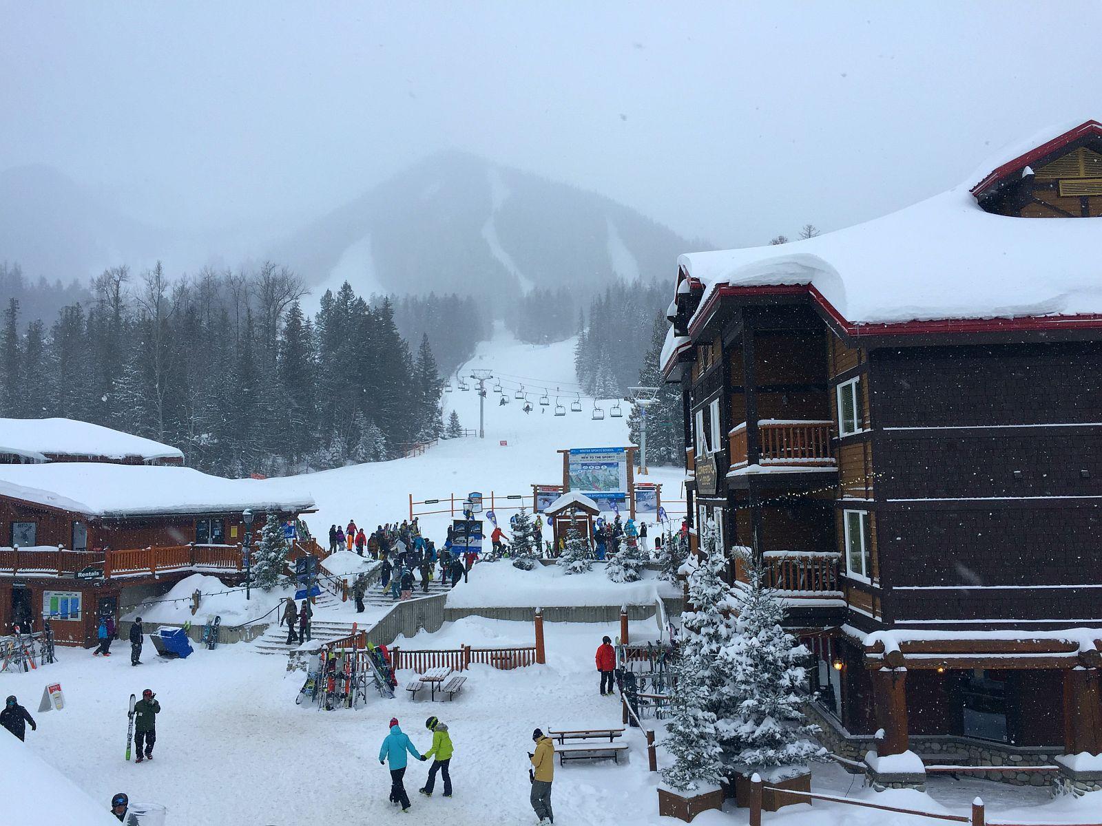 1621453354 853 Uma viagem na neve fresca pelo Canada