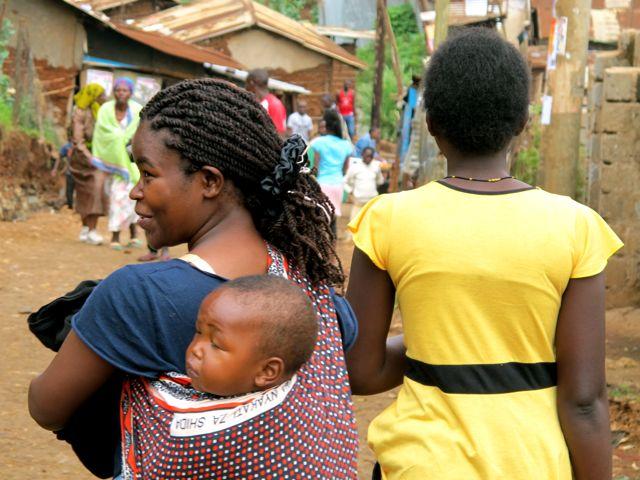 Luke no Quenia Parte 2 Kibera Slum em Nairobi Photo