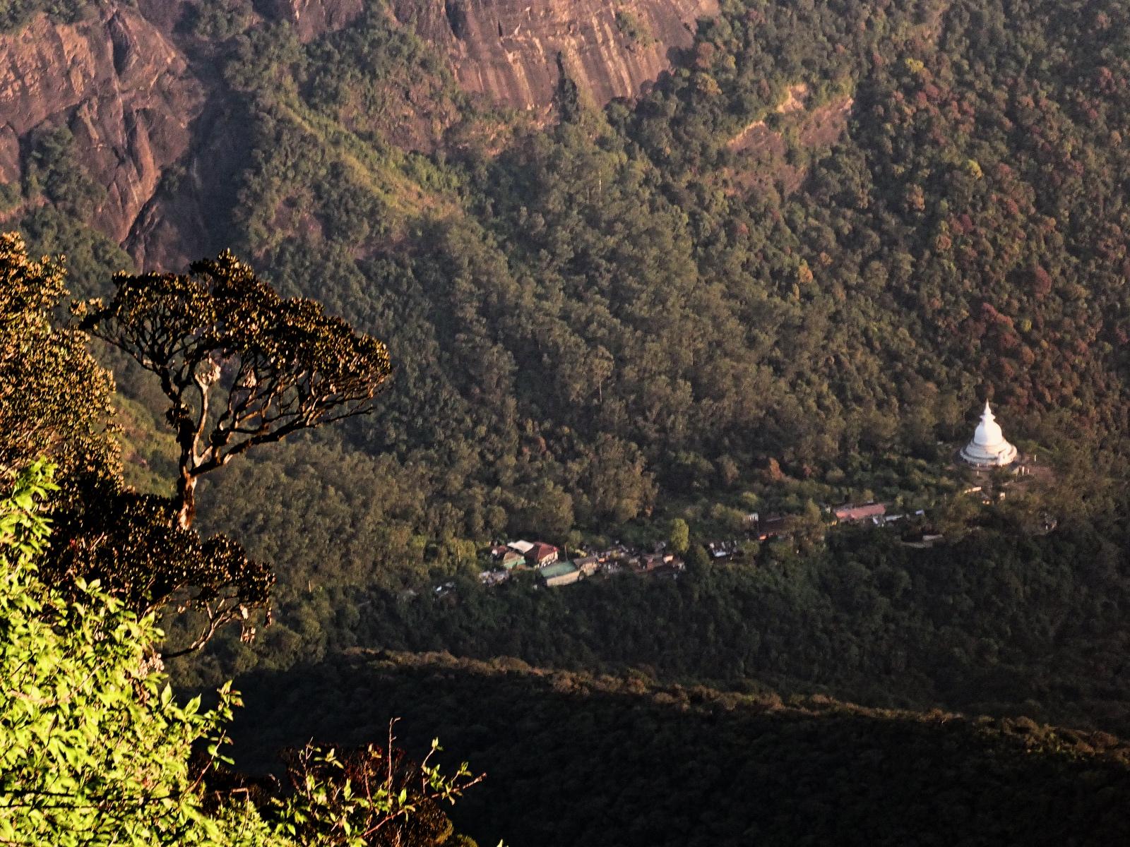 Siga os passos dos deuses na montanha sagrada do Sri