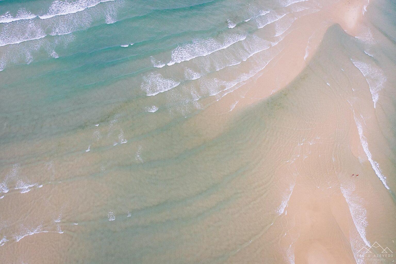 Mar e areia em harmonia