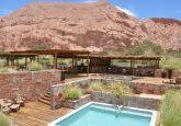 A piscina do hotel Alto Atacama é super charmosa