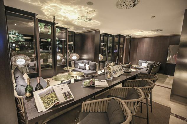 Amaro Lounge